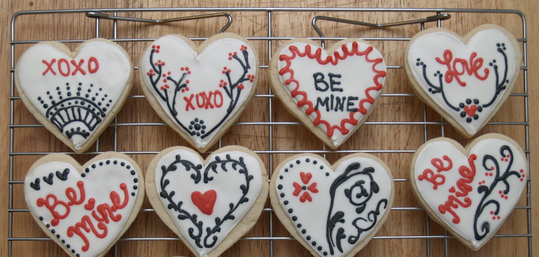 Valentine heart cookies by nikkicookiebaker (CC BY 2.0)