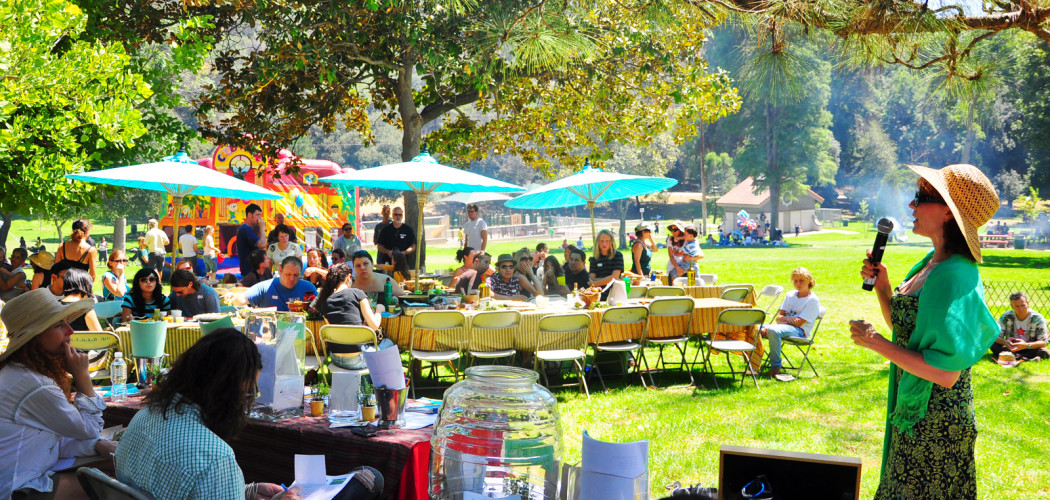 Elysian Park Time for Lunch Eat-In by chiffonade (CC BY 2.0)