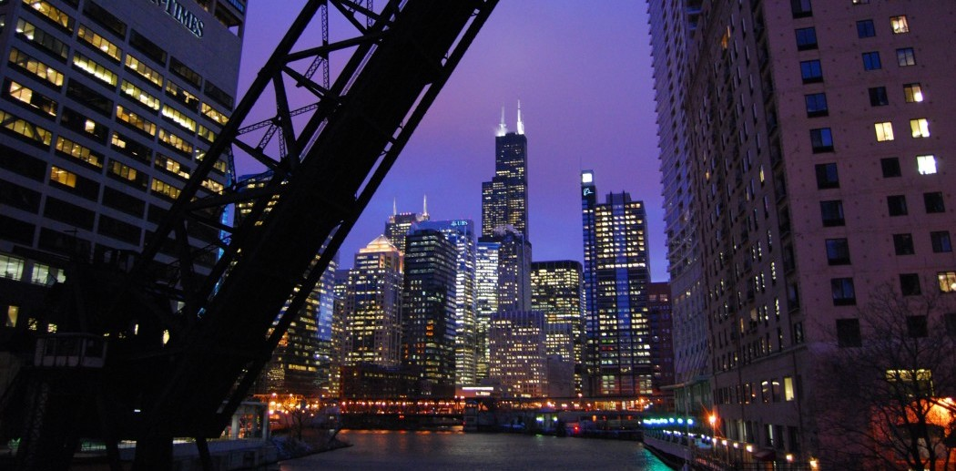 Bridge Chicago by LongitudeLatitude (CC BY 2.0)